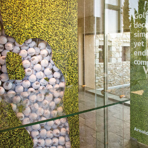 Simpl. / A tailored golf themed window display for Dunes course